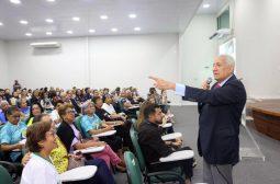 Palestra sobre envelhecimento e felicidade marcam abertura do Programa Vida Ativa